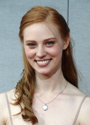 Deborah Ann Woll wallpaper containing a portrait entitled Deborah