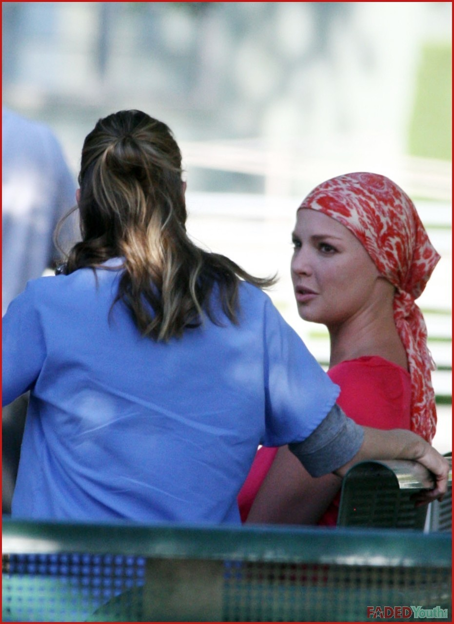 Ellen and Katherine on set - greys-anatomy photo