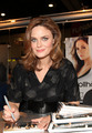 Emily Deschanel @ Comic-con 2009 - emily-deschanel photo
