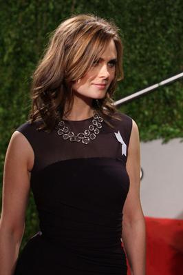 Emily Deschanel @ Vanity Fair Oscar Party Hosted By Graydon Carter