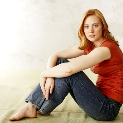 Deborah Ann Woll वॉलपेपर probably containing a hip boot entitled Headshots