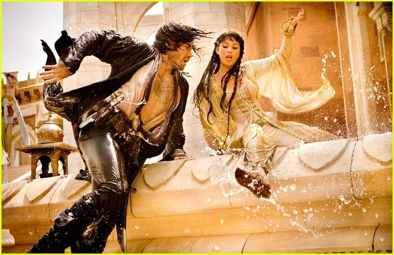 http://images2.fanpop.com/images/photos/7300000/Jake-Gyllenhaal-Prince-of-Persia-jake-gyllenhaal-7326779-806-521.jpg