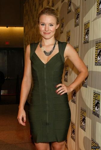 Kristen klok, bell @ Comic Con