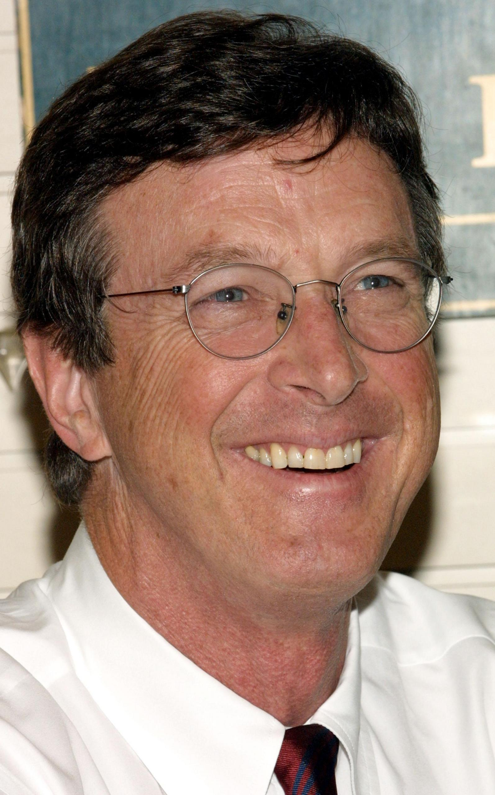 michael crichton the social encyclopedia michael crichton michael crichton michael crichton photo 7390768 fanpop