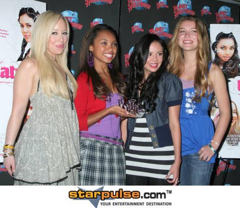 Nathalia with Janel,Skyler and Logan