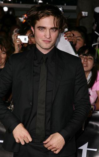 টুইলাইট সিরিজ দেওয়ালপত্র with a business suit, a suit, and a dress suit entitled Rob Patzz and/or Kris Stewart *