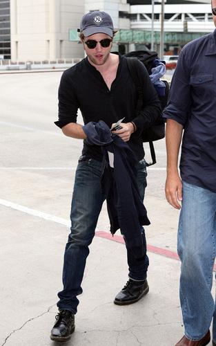 Rob leaving LA