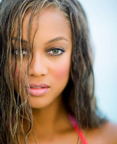 Sports Illustrated: Tyra's 10 taon Anniversary