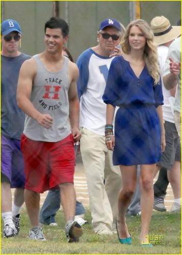 Taylor Lautner & Taylor Swift: Track & Field Team!