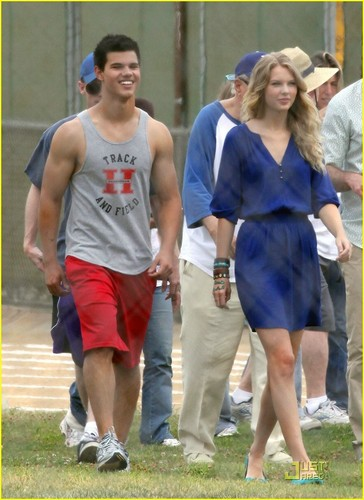 Taylor Lautner & Taylor Swift: Track & Field Team!