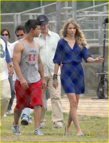 Teen Celebs Taylor Swift Lautner 54