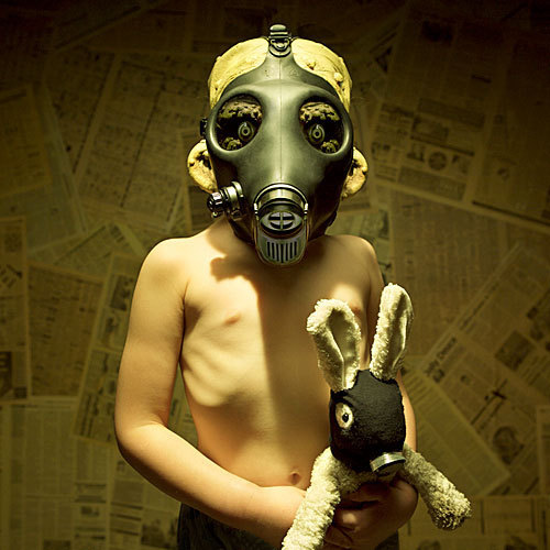 Horror فلمیں پیپر وال with a gasmask entitled The Gas Mask