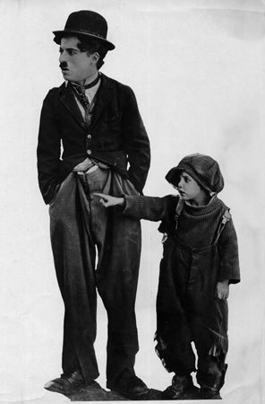 Charlie Chaplin wallpaper containing a green beret called The Kid
