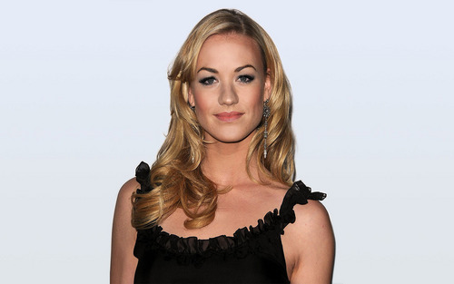 Yvonne Strahovski Hintergrund probably containing a chemise, a bustier, and a cocktail dress entitled Yvonne