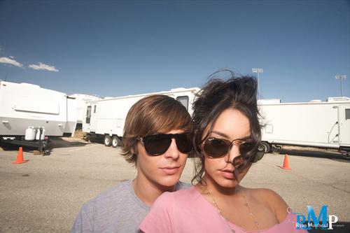 Zac Efron & Vanessa Hudgens wallpaper containing sunglasses entitled Zac & Vanessa