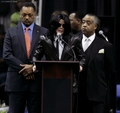 2006 / Funeral of James Brown - michael-jackson photo