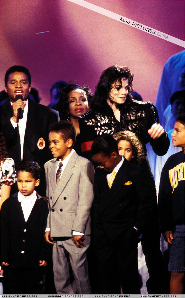The Jackson Family Honors Michael Jackson Photo