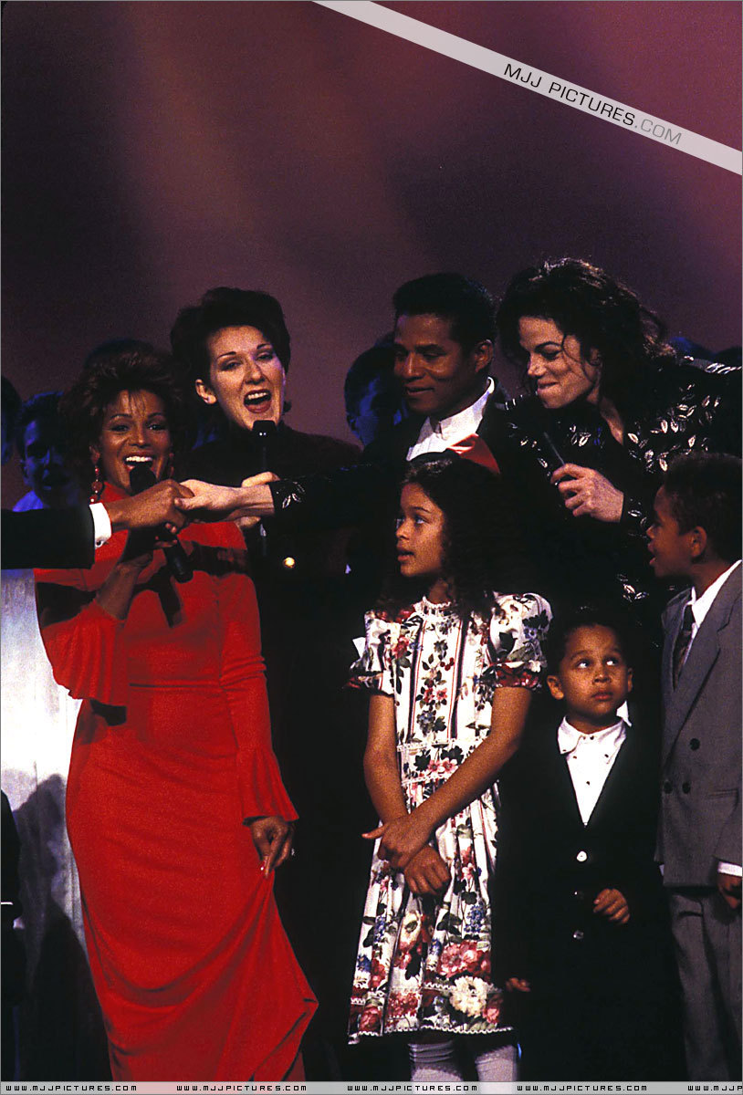 the life of jackson family The jackson family is an american family of singers who originated in gary, indiana performing as members of the jackson 5 and as solo artists, the children of joseph walter and katherine esther jackson were very successful in the field of popular music from the late 1960s onwards.