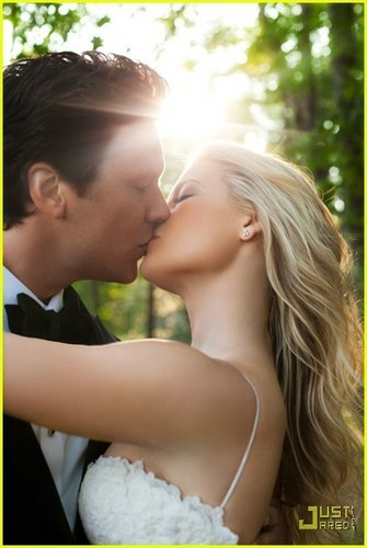 Ali Larter Wedding Pics!