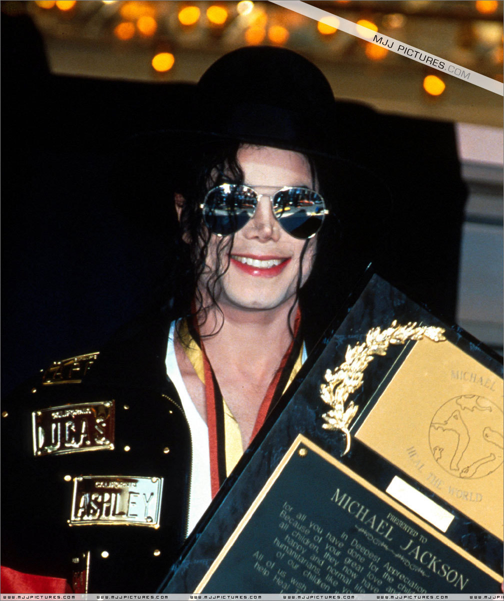 Awards & Special Performances > Guinnes World of Records