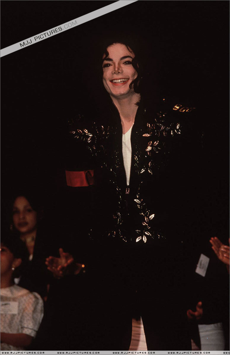 Awards & Special Performances > The 2nd Children Choice Awards