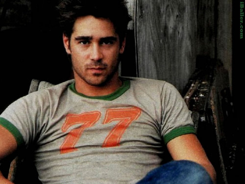 Colin Farrell wallpaper possibly with a jersey entitled Colin Farrell