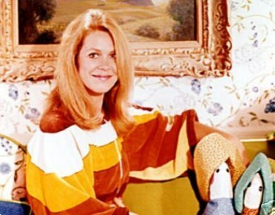 Elizabeth Montgomery wallpaper possibly with a portrait titled Elizabeth