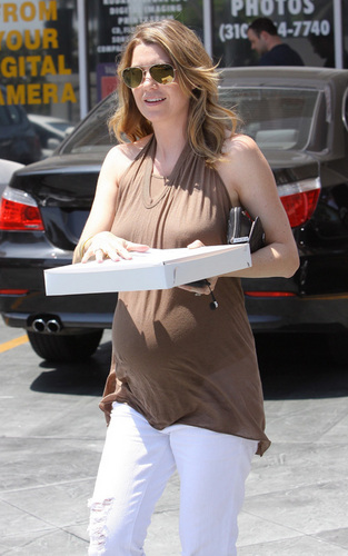 Ellen Out in Hollywood