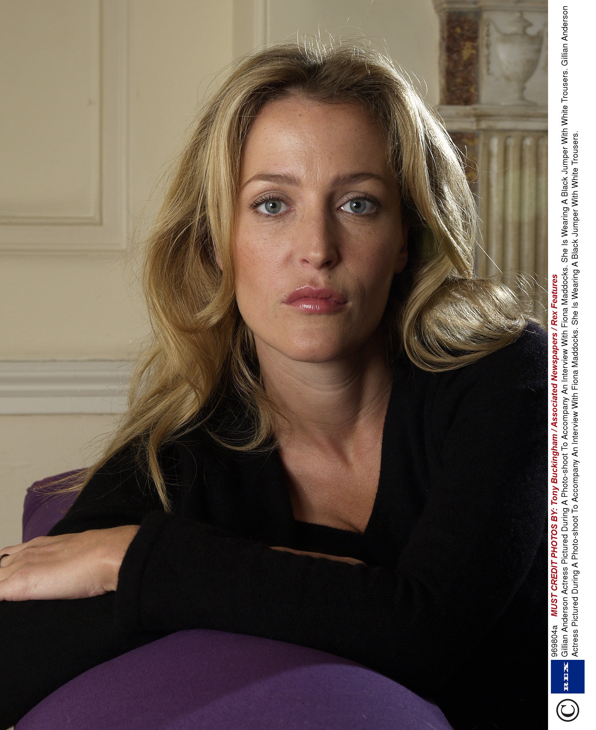Gillian Anderson - Wallpaper Hot