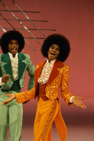 January 01 1973: Jacksons on Sonnny and Cher Comedy giờ