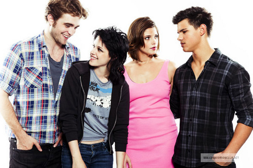 Last pic from comic con photoshoot - without tag