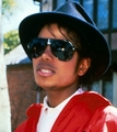 MJ >3 - michael-jackson photo