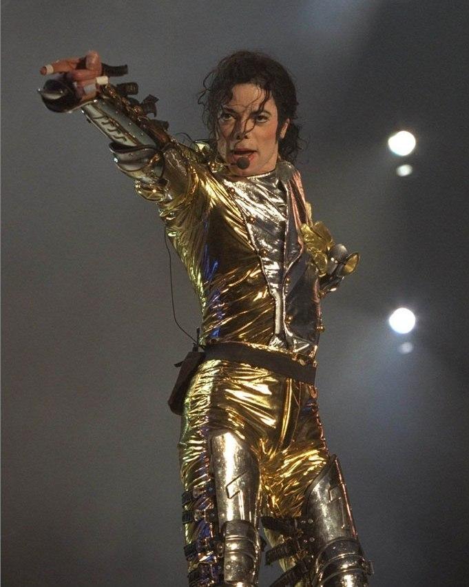 MJ IN GOLD...))))