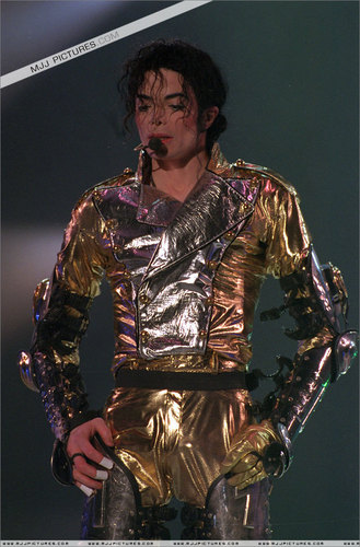 MJ IN GOLD...)))