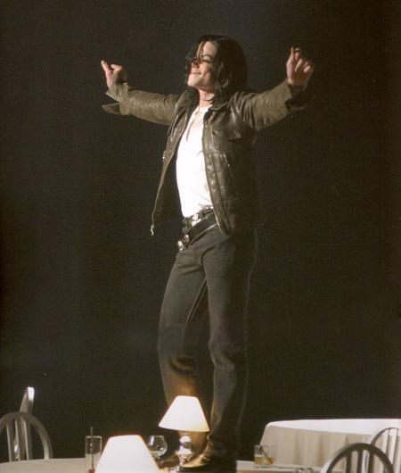 MJ (One もっと見る Chance)