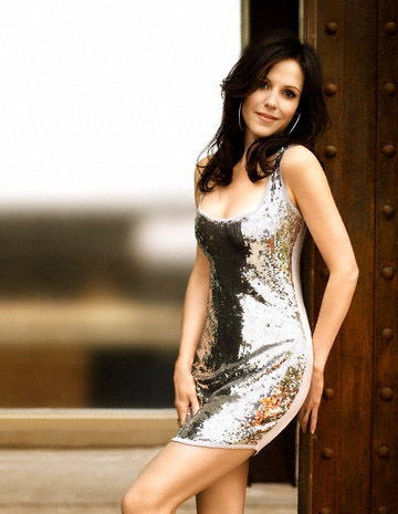 Mary-Louise Parker wolpeyper probably with a kaktel dress, a chemise, and a chemise entitled Mary-Louise