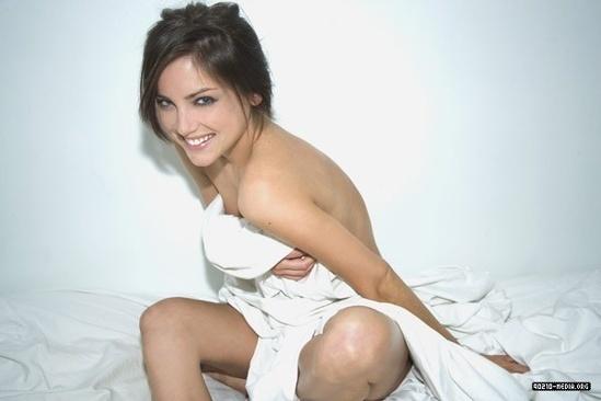 Jessica stroup nude pics