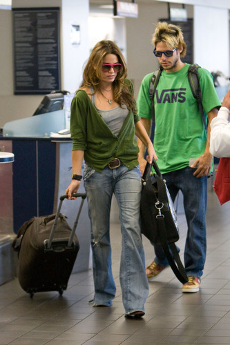 Nikki Reed wallpaper titled Nikki Reed and boyfriend Paris Latsis head to Vancouver