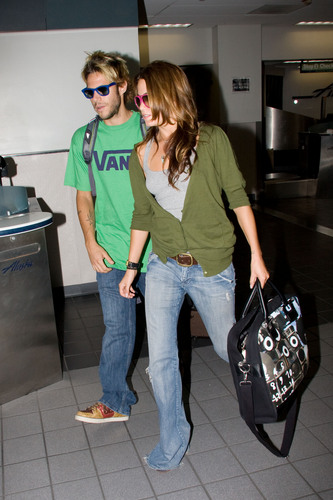 Nikki Reed and boyfriend Paris Latsis head to Vancouver - nikki-reed Photo