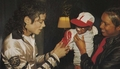 Off Stage > Miscellaneous - michael-jackson photo