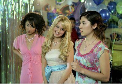 "Spot ""Kiss The Girl"" Photoshoot-21-Kiss-The-Girl-ashley-tisdale-7465178-399-276"