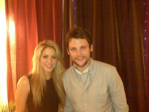 Shakira interviewed by Gordon Smart - August 3