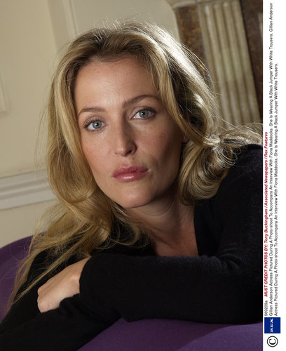 The X-Files wallpaper with a portrait titled gillian anderson
