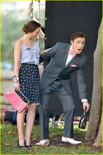 on the set of Gossip Girl