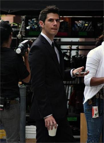 season 4 on set (daniel eric gold)- july 22/09