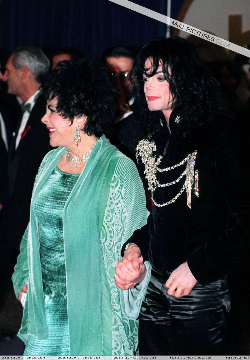 Awards & Special Performances > Happy Birthday Elizabeth