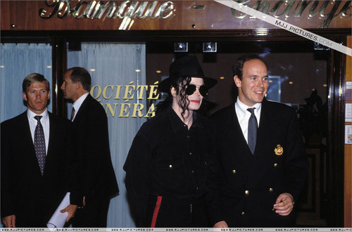 Various > Michael visits Monaco