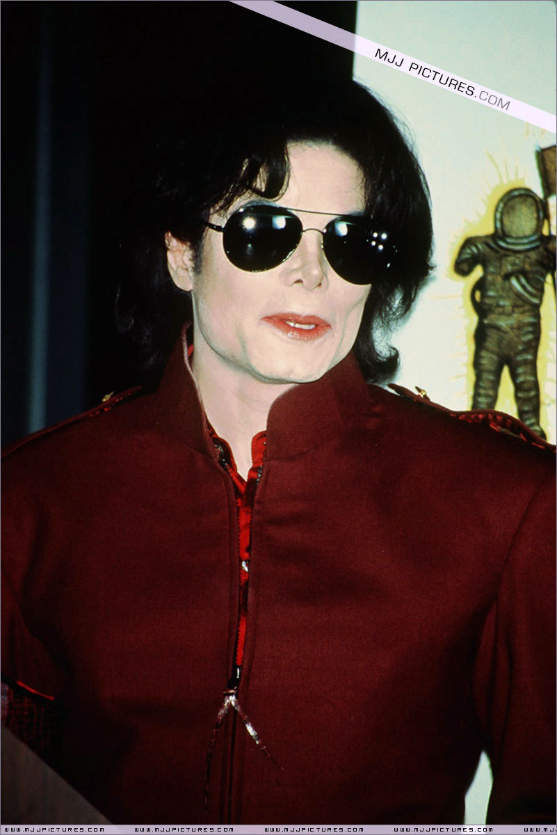 Appearances > The 1995 MTV Video Music Awards Nominations