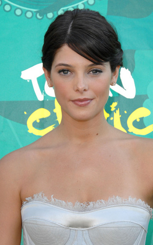 Ashley Greene at the Teen Choice Awards