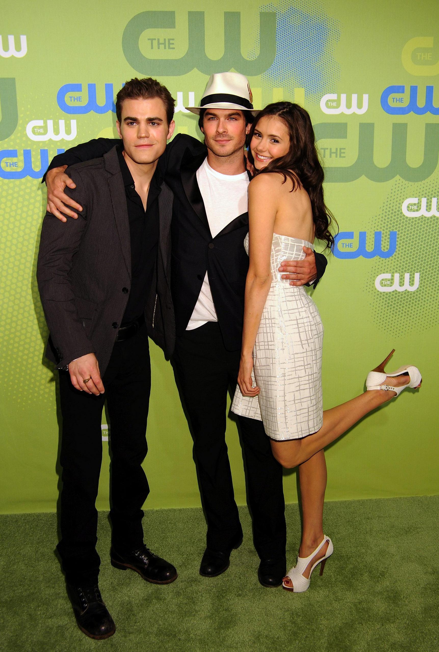 Nina Dobrev And Paul Wesley Kissing Off Set Cast CW - The Vampire ...